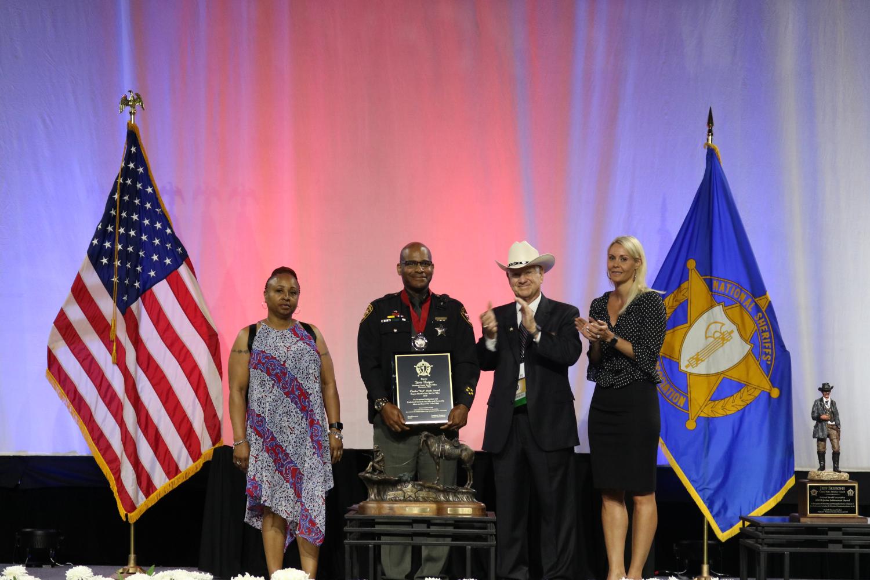 Deputy Harper receives Deputy Sheriff of the Year for Valor Award